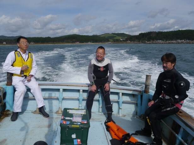 Mr. Hayashibara (centre, ARIUA/TUMSAT) joined our team on day 2